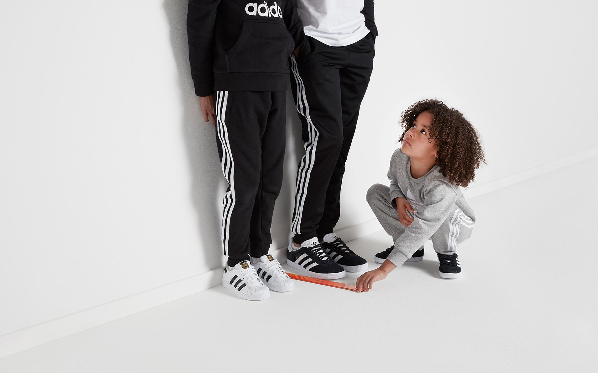 181011-adidas-kids_05_Measuring1